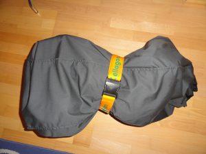 Kurioserweise soll das da meinen supertollen Rucksack darstellen. Den ich jetzt irgendwie tragen muss...